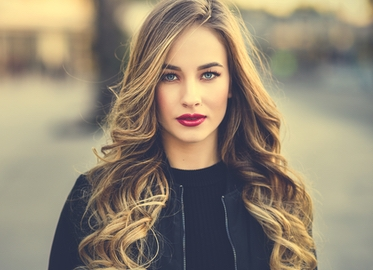Hair Extensions! Get FULL Set of Extensions With Amy at Salon Westlake For Just $179. (Value $350.)