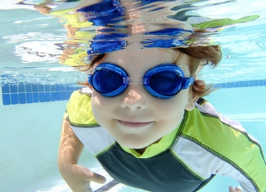 "Swim Lessons in Your Home OR in Pacific Swim School's ""Jump Right In"" Heated Pools in Thousand Oaks and Oak Park. Get 4 Semi-private Lessons (2 Kids) for $55 or 4 Private for $99! (Value $100-$180)"